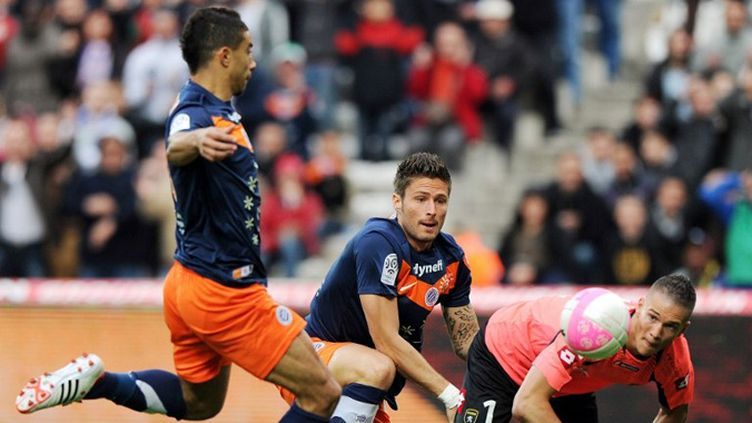 Belhanda marque pour Montpellier devant son coéquipier Giroud et Cros (Sochaux).