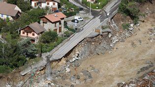 À Saint-Martin-Vesubie après les fortes pluies et les inondations qui ont frappé le département des Alpes-Maritimes,le 3 octobre 2020. (VALERY HACHE / AFP)