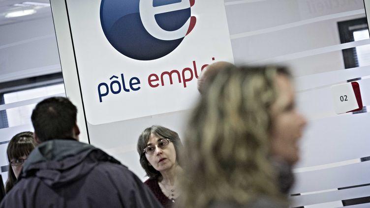 Dans une agence Pôle emploi de Rambouillet (Yvelines), le 1er mars 2013. (MAXPPP)
