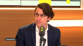 """Jean-Daniel Lévy, directeur du département Politique & Opinion d'Harris Interactive, était l'invité des """"Informés de franceinfo"""" (FRANCEINFO / RADIOFRANCE)"""