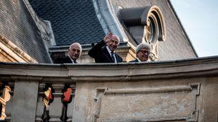 Gérard Collomb à son arrivée au conseil municipal à la mairie de Lyon, le 5novembre 2018. (JEFF PACHOUD / AFP)