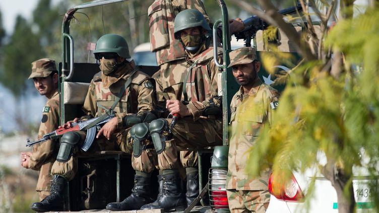 Une patrouille de soldats pakistanais à Khwaza Khela, dans le district de Swat (Pakistan), le 7 mars 2013. ( / MAXPPP)