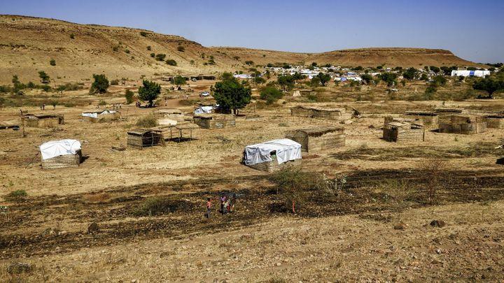Une vue partielle du camp d'Oum Raquba au Soudan, le 30 novembre 2020. Le camp accueille déjà 10000 réfugiés et en attend le double. (ASHRAF SHAZLY / AFP)