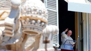 Le pape François au Vatican, le 17 juillet 2016. (TONY GENTILE / REUTERS)