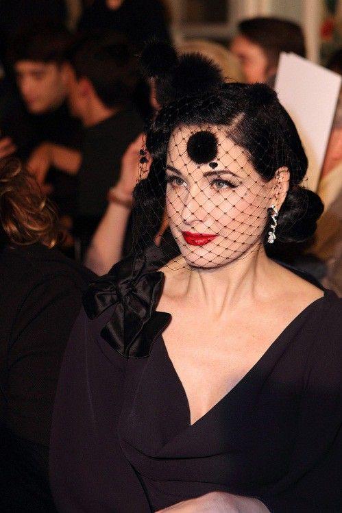 L'actrice danseuse Dita Von Teese au défilé Alexis Mabille  (DPA/MAXPPP)