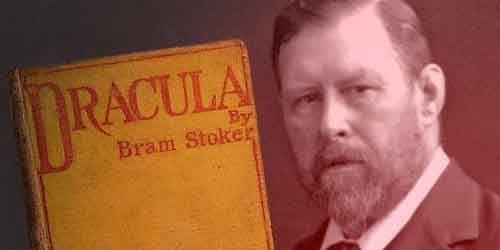 """Première édition de """"Dracula"""" (1897) au côté d'un portrait de son auteur Bram Stoker  (DR)"""