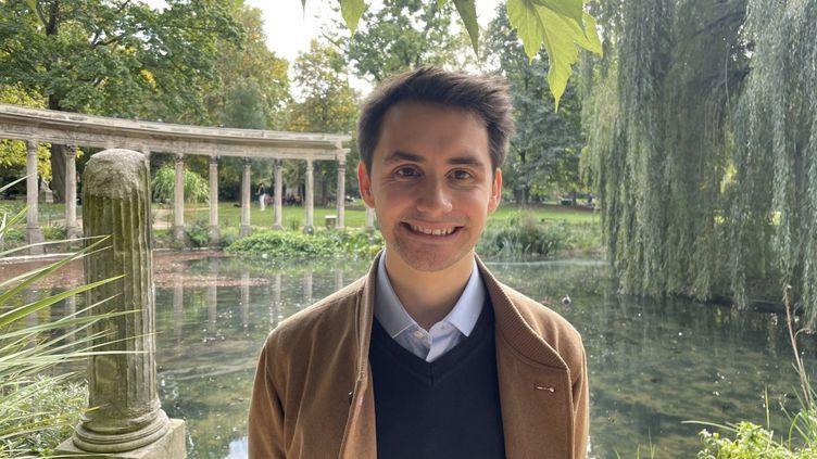 """Ferréol Delmas, 23 ans, étudiant et directeur de """"Ecologie Responsable"""", unthink tank classé à droite. (MANON MELLA / FRANCEINFO)"""