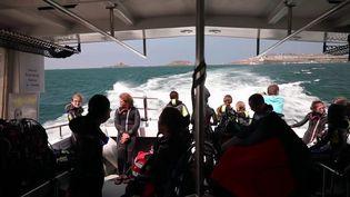 Dans le 19/20 du samedi 4 septembre, immersion en randonnée sous-marine dans la baie de Saint-Malo (Ille-et-Vilaine), à la poursuite d'un site archéologique. (CAPTURE ECRAN FRANCE 3.)