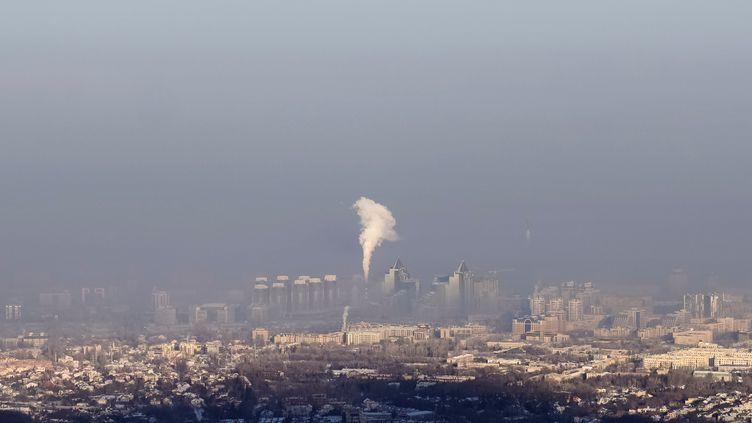Une centralenucléaire à Almaty (Kazhakstan), le 6 janvier 2018. (SHAMIL ZHUMATOV / REUTERS)