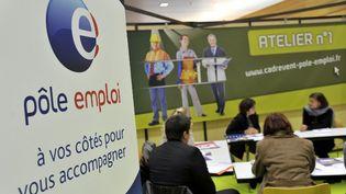 Un salon de l'emploi organisé par Pôle emploi, à Nantes (Loire-Atlantique) en janvier 2013. (ALAIN LE BOT / AFP)