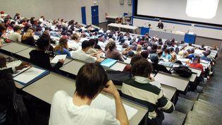A l'université de Genève (Suisse), en 2004. (MARTIAL TREZZINI / MAXPPP)