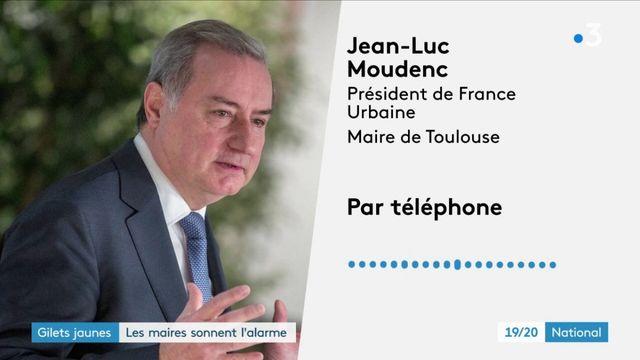 """""""Gilets jaunes"""" : les maires de France demandent une réunion d'urgence"""