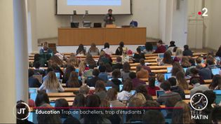 Des étudiants à l'université. (France 2)