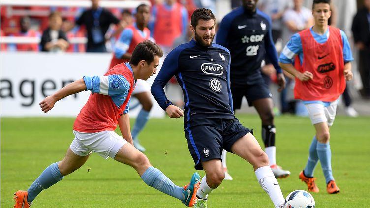 André-Pierre Gignac face aux U19 de Bayonne (FRANCK FIFE / AFP)