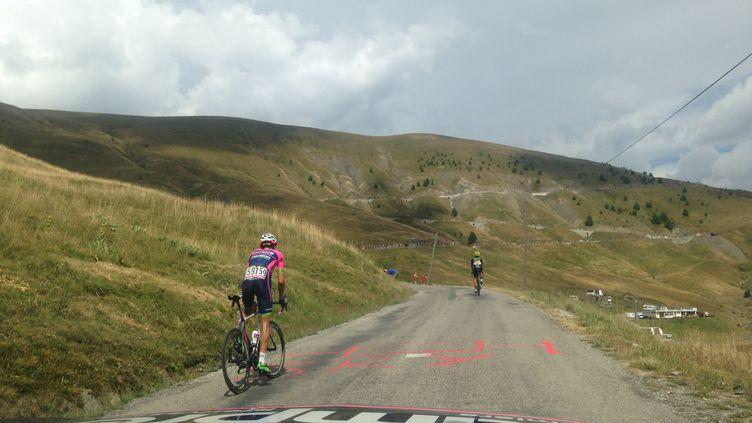 Rafael Valls dans la montée du col d'Allos.