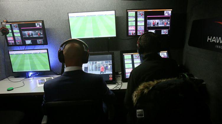 L'arbitrage vidéo testé en France lors d'un match Nice-Monaco le 9 janvier 2018. (MAXPPP)