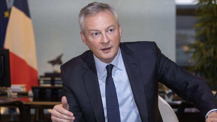 Le ministre de l'Economie et des Finances, Bruno Le Maire, répond à une interview, le 15 janvier 2020, dans son bureau à Bercy, à Paris. (MAXPPP)