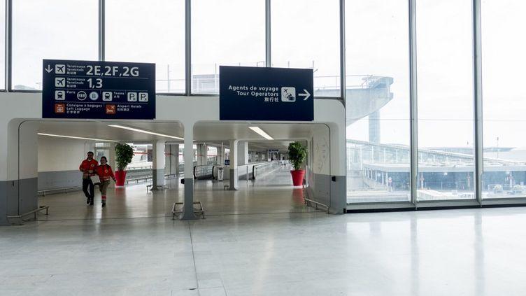 L'aéroport de Roissy, vide, le 6 avril 2020. (JULIE FRANCHET / HANS LUCAS / AFP)