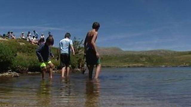 Dans le massif du Taillefer, le lac Fourchu attire du monde