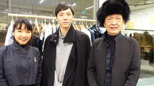 Les créateurs japonais Sayuri Tanei, Kenta Matsushige et Irié (de gauche à droite) exposent à la Maison de la Culture du Japon, en février 2018  (Corinne Jeammet)