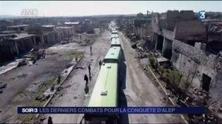 Des bus évacuent des civils à Alep. (FRANCE 3)
