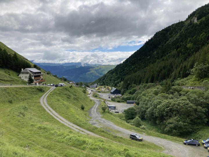 La vue depuis Espiaube, au milieu de l'ascension du col du Portet, le 14 juillet 2021. (AH)