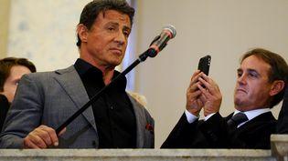 L'acteur américain Sylvester Stallone, le 27 octobre 2013 au musée russe de Saint-Petersbourg. (OLGA MALTSEVA / AFP)