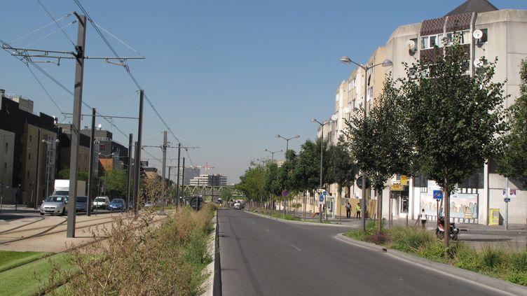 La rue de Colombes (Hauts-de-Seine) où s'est déroulée une fusillade dans la nuit du 3 au 4 septembre 2013. ( MAXPPP)