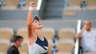 La TchèqueBarbora Krejcikova, numéro 33 mondiale, s'est qualifiée pour sa première finale d'unGrand Chelem. (ROB PRANGE / SPAIN DPPI)