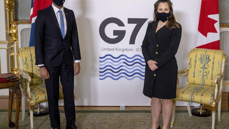 Une taxe mondiale sur les multinationales, notamment les géants du numérique, est au cœur des discussions du G7, qui s'est ouvert vendredi 4 juin. (STEVE REIGATE / POOL)