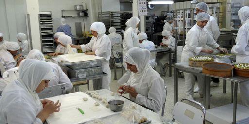Dans l'un des deux ateliers de l'entreprise Masmoudi à Sfax. (FTV - Laurent Ribadeau Dumas)