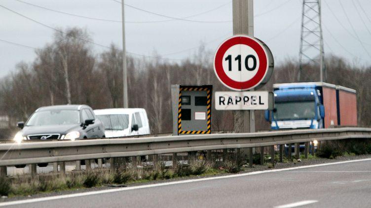 Une réduction de la vitesse sur l'autoroute allongerait significativement les temps de trajet pour 69% des Français. (JULIO PELAEZ / MAXPPP)