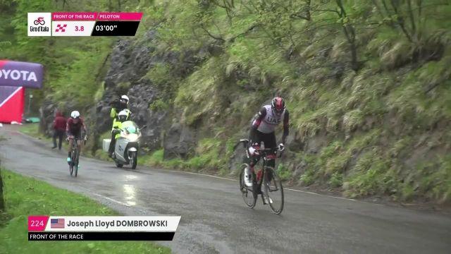 À 4km de l'arrivée, Joe Dombrowski se défait de son compagnon d'échappée, l'Italien Alessandro De Marchi pour filer vers la victoire à Sestola pour la 4e étape du Tour d'Italie.