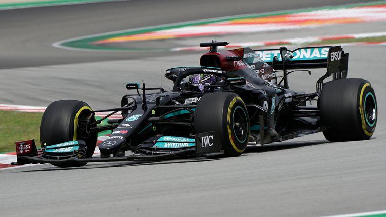 Lewis Hamilton (Mercedes) s'impose de justesse au GP d'Espagne à Barcelone (JAVIER SORIANO / AFP)