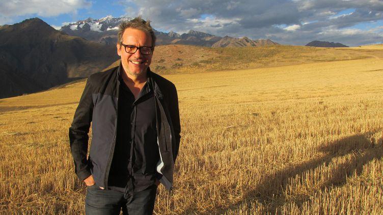 (Philippe Gougler en tournage au Pérou © Mathilde FAIVRE / France 3 / Thalassa)