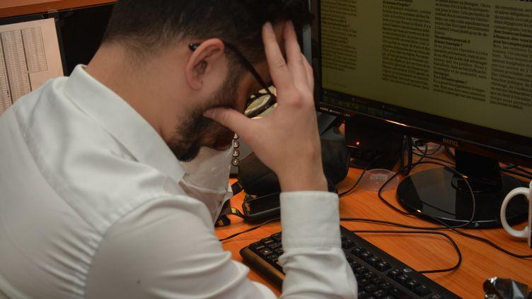Le stress au travail.  (JEAN-CHRISTOPHE BOURDILLAT / RADIO FRANCE)