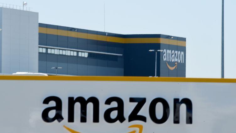 Le centre d'Amazon à Brétigny-sur-Orge (Essonne), le 19 mai 2020. (ERIC PIERMONT / AFP)