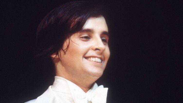 D'un talent rare, le jeune imitateur Thierry Le Luron fait ses premiers pas sur les planches à l'âge de 17 ans  (RETRO/SIPA)