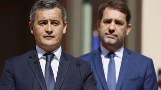 Gérald Darmanin, nouveau ministre de l'Intérieur, lors de la passation de pouvoirs avec son prédécesseur Christophe Castaner, mardi 7 juillet 2020 à Paris. (THOMAS SAMSON / AFP)