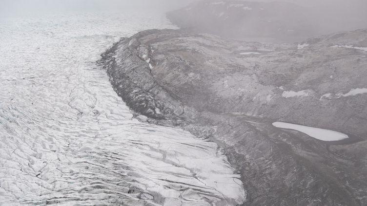 Un glacier près deKangerlussuaq, au Groenland, le 20 mai 2021. (SAUL LOEB / AFP)