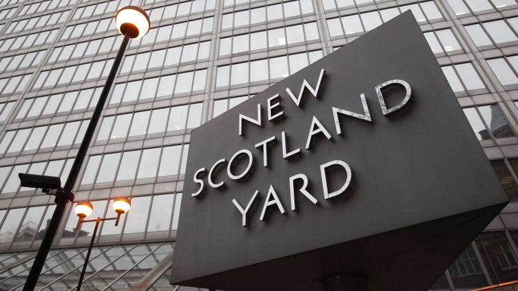 (La police britannique est mobilisée pour analyser la vidéo du meurtre © REUTERS / Suzanne Plunkett)