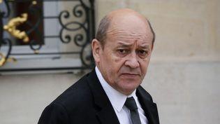 (L'identité de Jean-Yves Le Drian a été usurpée par des escrocs pour demander des rançons à des chefs d'Etat ou des entreprises © MaxPPP)