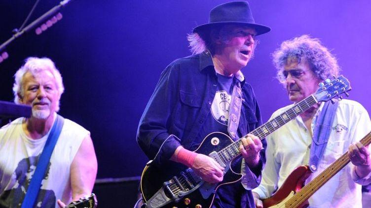 Neil Young & Crazy Horse, le 20 juillet 2013 à Carhaix (Finistère)  (FRED TANNEAU / AFP)