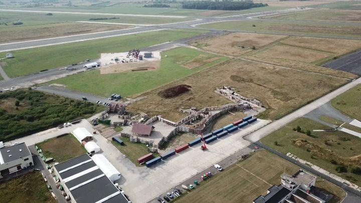 Vue aérienne du site Backlost 217. (M. Tafnil / France Télévisions)