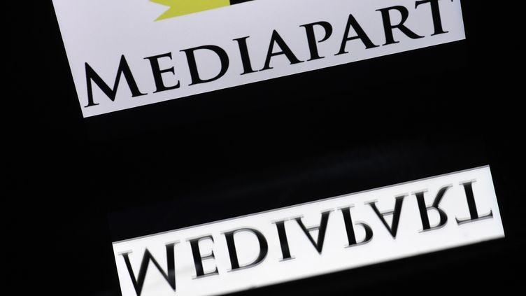 Le logo du média d'investigation Mediapart. (LIONEL BONAVENTURE / AFP)