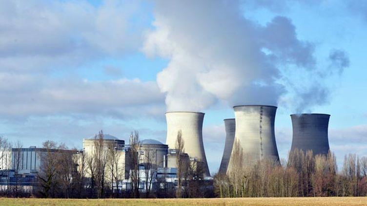 (La centrale nucléaire du Bugey dans l'Ain © ALLILI MOURAD/SIPA)