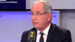 """Jean-Michel Clément, député La République en marche de la Vienne, était l'invité de """"Tout est politique"""" vendredi 20 avril sur franceinfo. (FRANCEINFO)"""