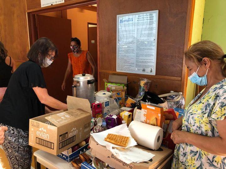 L'aide aux sinistrés s'est vite organisée à Martigues, le 5 août 2020. (NOEMIE BONNIN / RADIO FRANCE)
