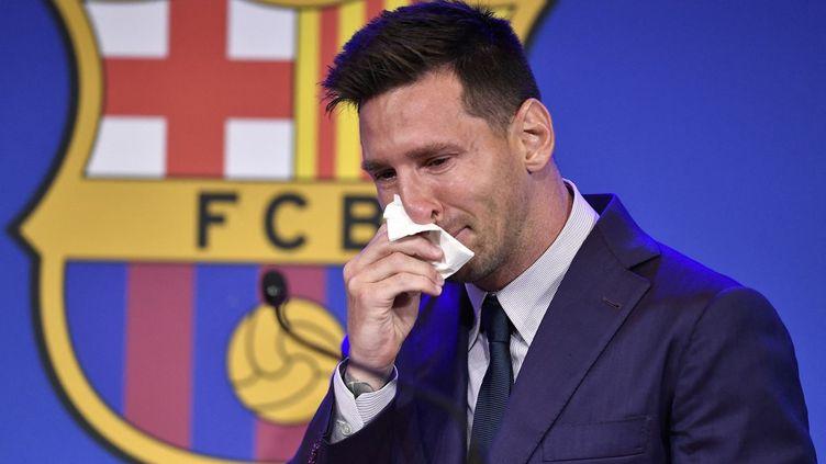 Lionel Messi lors de sa conférence de presse d'adieu au FC Barcelone, le 8 août 2021. (PAU BARRENA / AFP)