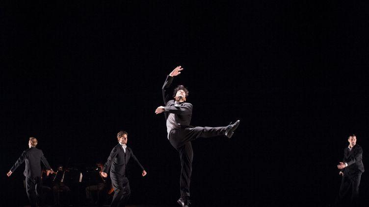 """Représentation de """"La Grande fugue"""" à l'Opéra Garnier, à Paris, en avril 2018. Parmi les danseurs, Alexandre Carnieto. (LAURENT PAILLIER / LE PICTORIUM / MAXPPP)"""